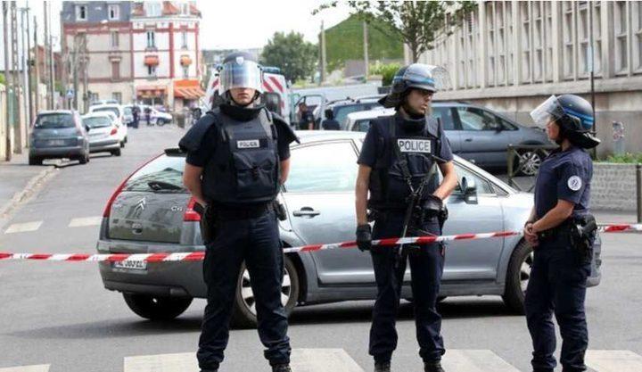 اعتقال شخص حاول دهس مشاة قرب مسجد بفرنسا
