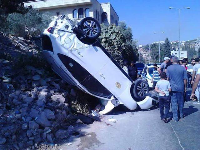 (بالصور) إصابتان بحادث سير احدهما حرجة