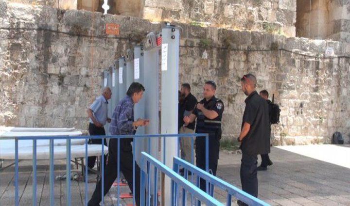 استطلاع اسرائيلي: 88% يعارضون إزالة البوابات الالكترونية