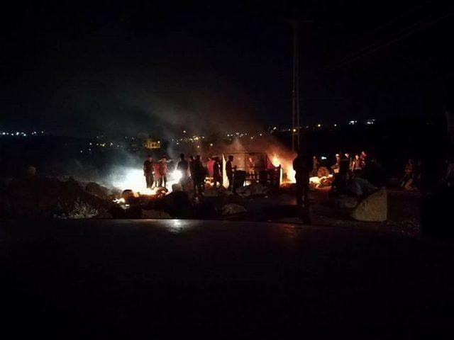 الاحتلال يعيد إغلاق مدخل كوبر الرئيس