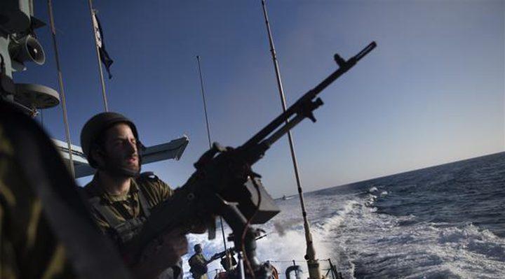 زوارق الاحتلال تستهدف قوارب الصيادين في قطاع غزة