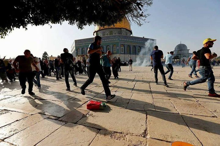 اصابة 8 مواطنين خلال مواجهات مع الاحتلال في باب الأسباط
