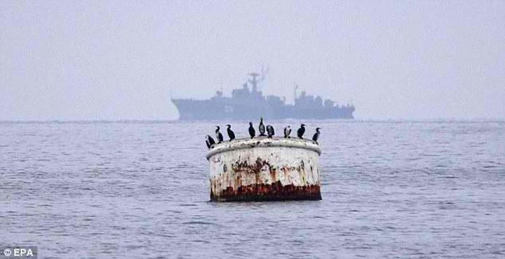 غرق سفينة على متنها بحارة سوريون