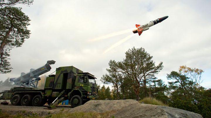"""كيم جونغ أون يطلق صاروخا """"يصل للبر الأميركي"""" (فيديو)"""