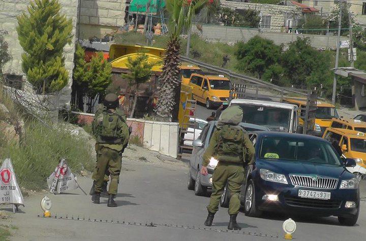 الاحتلال يواصل حصار قرية عزون عتمة للأسبوع الثاني