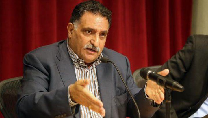 وزير اسرائيلي يطالب بسحب الجنسية من عزمي بشارة
