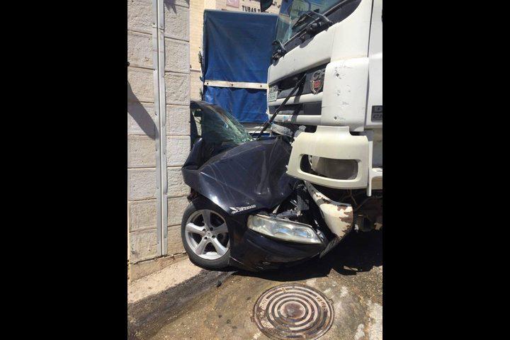 حادث سير بين شاحنة ومركبة في طوباس