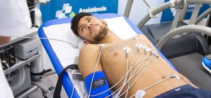نيمار سيخضع للكشف الطبي في قطر