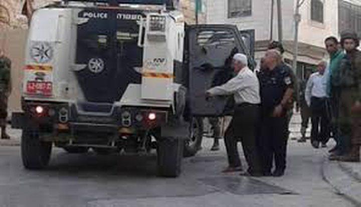 """الاحتلال يعتقل مُسنا ونجله من """"باب حطة"""" وثالثاً من """"باب المجلس"""""""