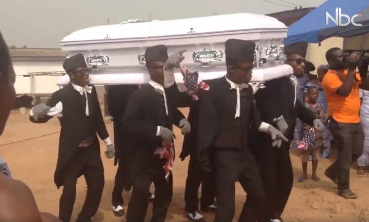 أغرب طقوس دفن الموتى حول العالم