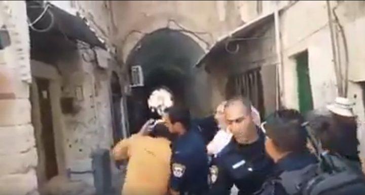 عراك بين شرطة الاحتلال ومستوطنين في الأقصى