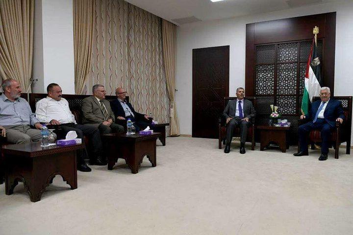 """الرئيس يستقبل وفدا من حركة """"حماس"""""""