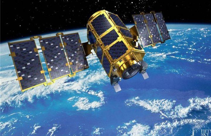 """""""إسرائيل"""" تطلق قمرين صناعيين إلى الفضاء"""