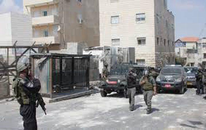 الاحتلال يقتحم منزل منفذ عملية يبنا