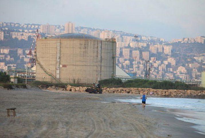 إسرائيل تغلق خزان الامونيا في حيفا خوفًا من حزب الله