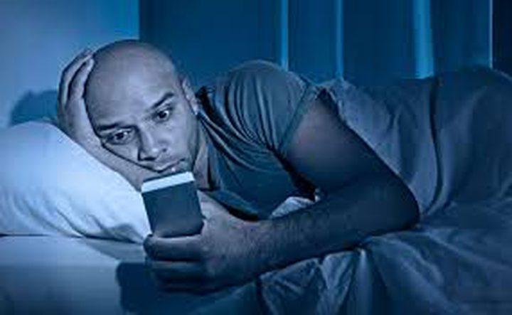 الهواتف الذكية تمنع النوم
