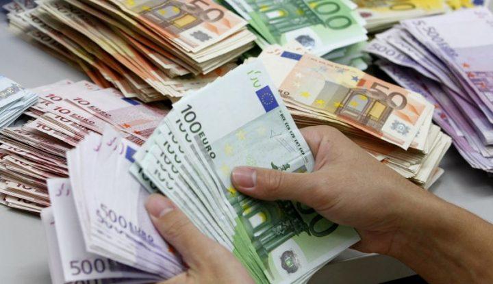 الاتحاد الأوروبي يساهم بدفع رواتب ومخصصات المتقاعدين لشهر تموز