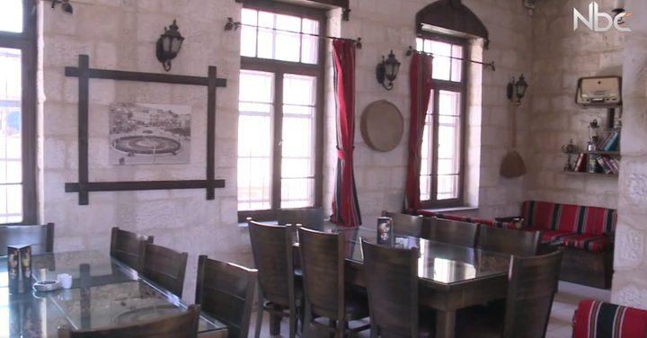 ما سبب اقبال الناس على المطاعم ذات الطراز القديم؟