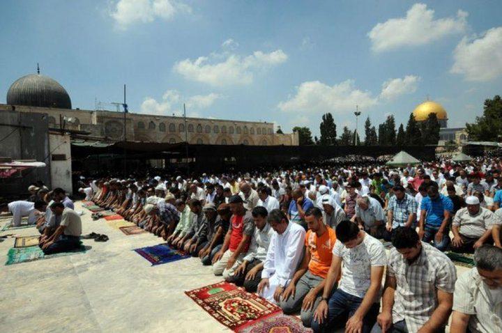 الآلاف يصلون الجمعة في المسجد الاقصى