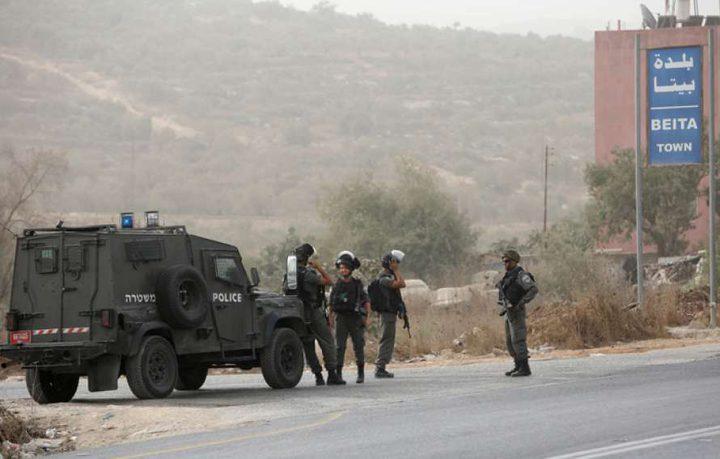 الاحتلال يساوم ناشطاً على وقف فعاليات جنوبي الخليل