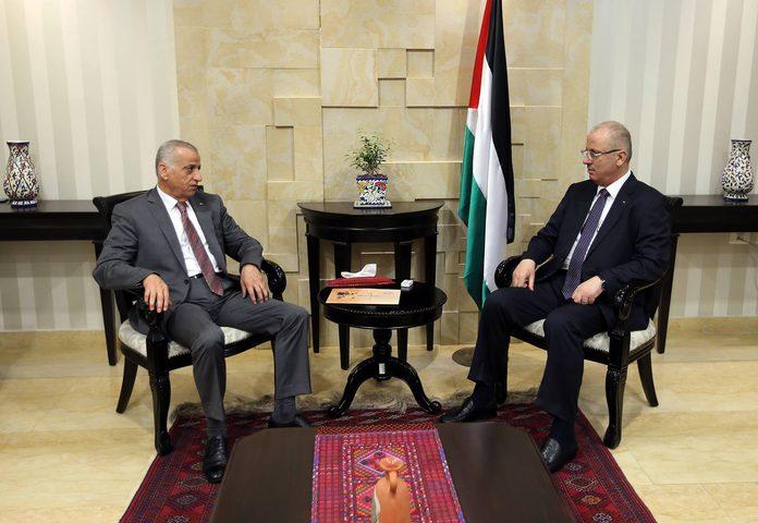 رئيس الوزراء يؤكّد أهمية الفصل بين السلطات الثلاث