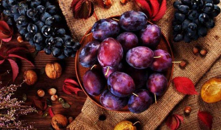 """""""البرقوق"""" فاكهة للصحة والجمال"""
