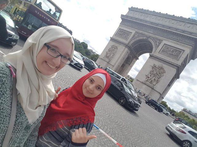 طالبتان من النجاح تختتمان رحلة بحثية في جامعة باريس 11