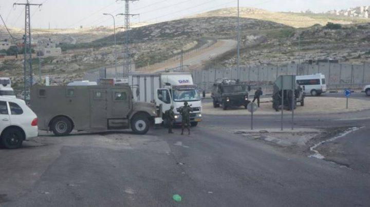 الاحتلال يستولي على مركبة مواطن جنوب الخليل