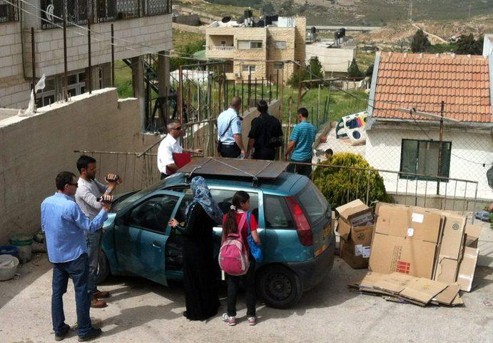 الاحتلال يُمهل عائلة شماسنة حتى الغد لإخلاء منزلها