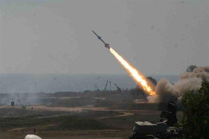 أنباء عن إصابة إسرائيلي بزعم إطلاق صاروخ من قطاع غزة