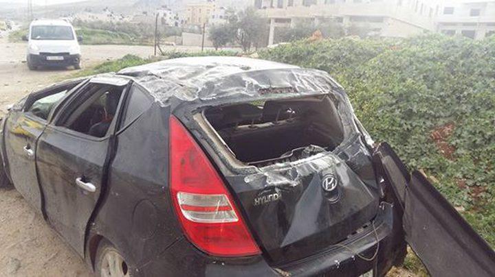 إصابة مواطنين بحادث تصادم بين مركبتين شرق نابلس
