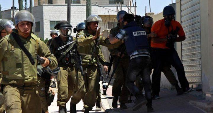 66 اعتداءً إسرائيليا على الصحفيين خلال الشهر الماضي