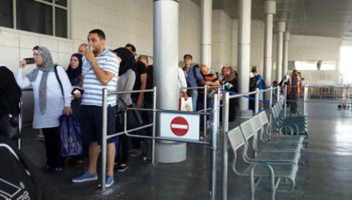 الاحتلال يمنع تسعة مواطنين من السفر