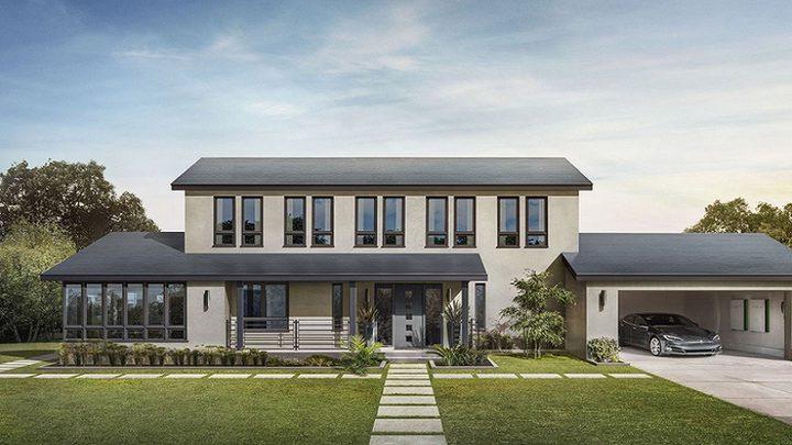 """""""إيلون ماسك"""" أول مستخدمين أسقف تسلا للطاقة الشمسية"""