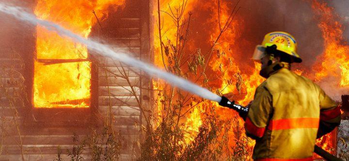 رجل إطفاء يشعل الحرائق ويخمدها للحصول على أموال!