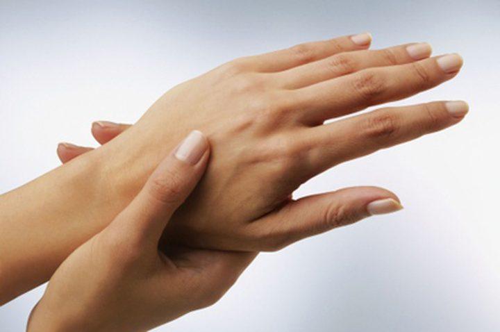 طريقة علاج تجاعيد اليدين بشكل طبيعي