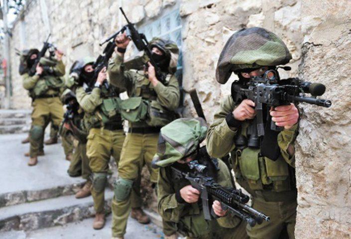 الاحتلال يعتقل خمسة شبان بزعم نيتهم تنفيذ عملية