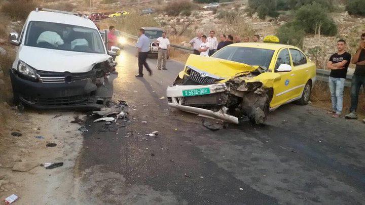 """إصابة مواطنان في حادث سير """"صور"""""""