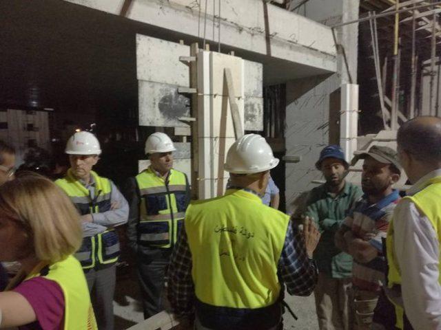 وزارة العمل تغلق منشأتين في رام الله والخليل