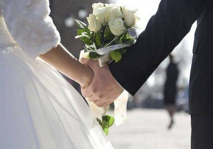 أغرب زفة لعروسين تؤدي إلى السجن!(فيديو)
