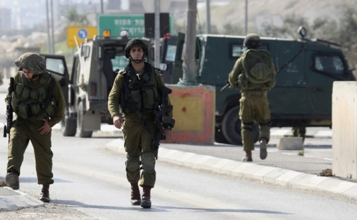 قوات الاحتلال تنصب حاجزا على مدخل السيلة الحارثية