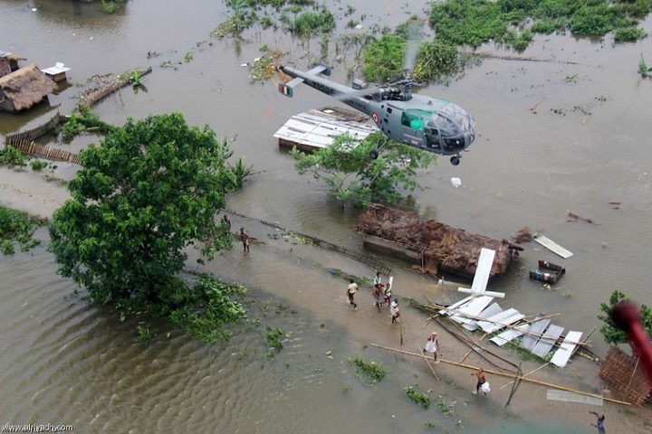 مصرع 94 شخصاً في الهند والنيبال جراء انهيارات أرضية وفيضانات