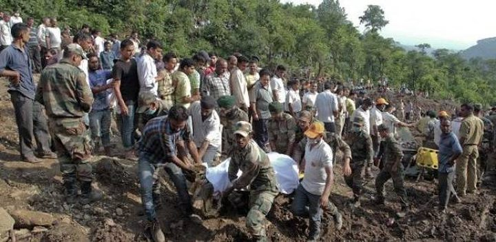 مصرع (45) شخصًا بانهيار أرضي في الهند