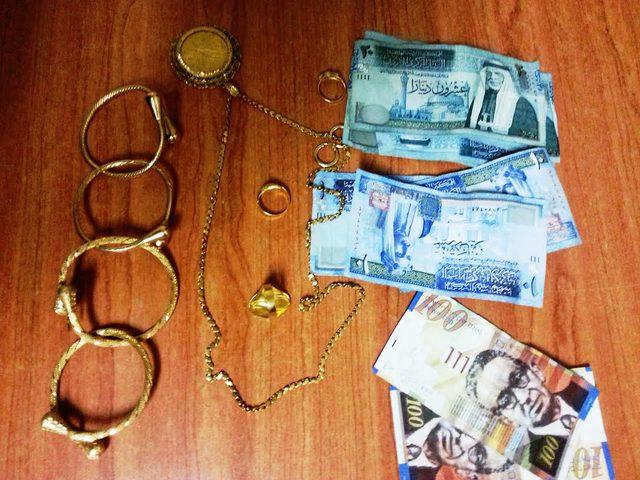 كشف ملابسات سرقة 200 غرام من المصاغ الذهبي