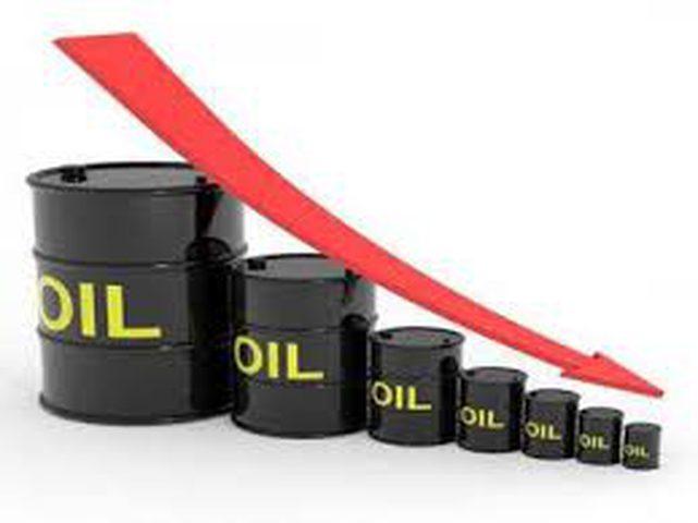 هبوط أسعار النفط بفعل ارتفاع الدولار