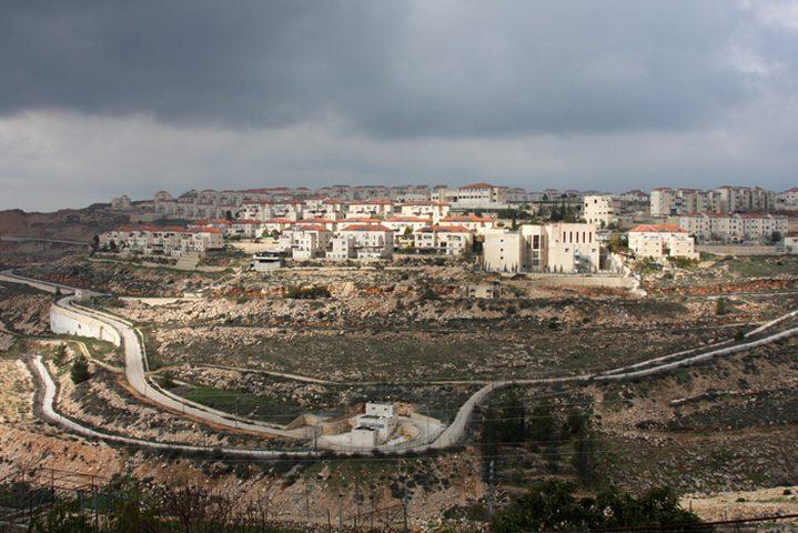 مستوطنون يعلنون عن إقامة مسارات سياحية غرب بيت لحم
