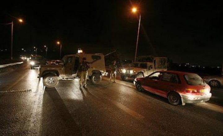 جيش الإحتلال يطلق النار على سيارة جنوب نابلس