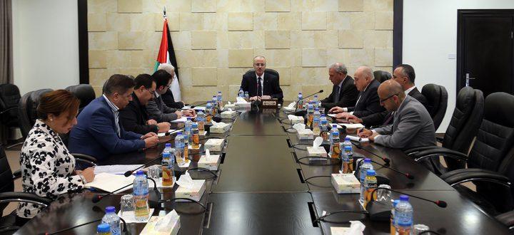 رئيس الوزراء يترأس إجتماع لجنة خلية الأزمة