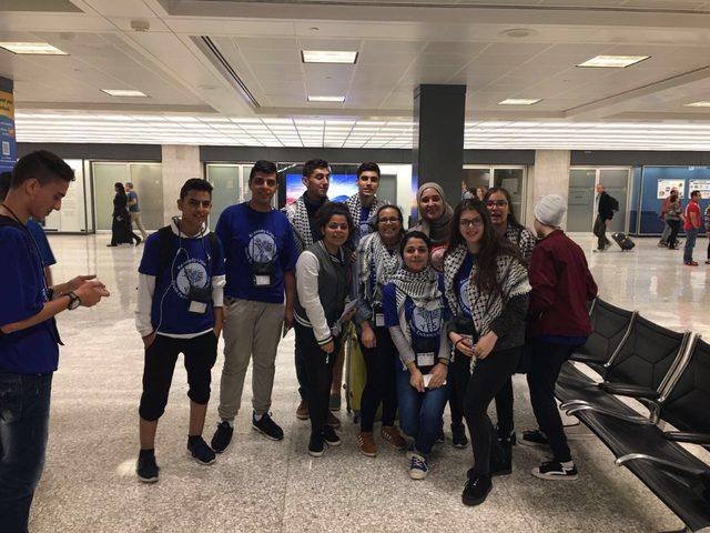 طلاب غزة يصلون الولايات المتحدة ضمن برنامج تبادل الشباب والدراسة