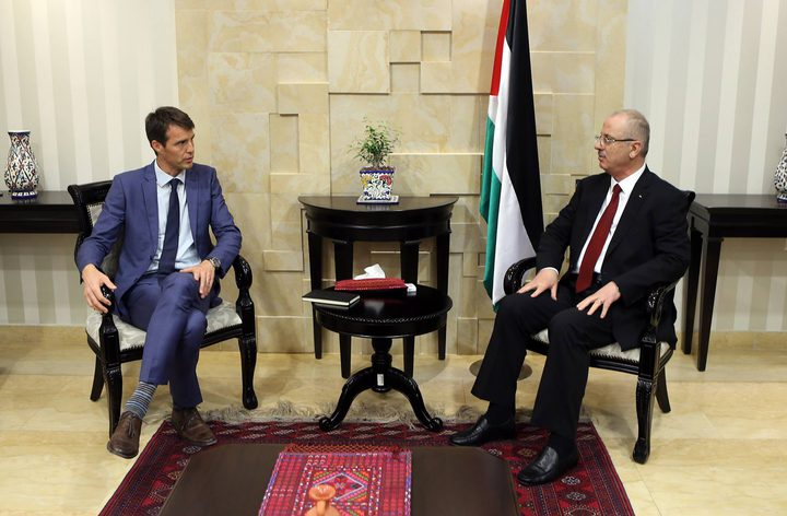 رئيس الوزراء يستقبل الممثل الدنماركي لدى فلسطين